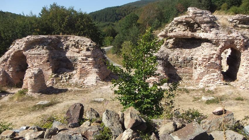 Крепостта преди реставрацията